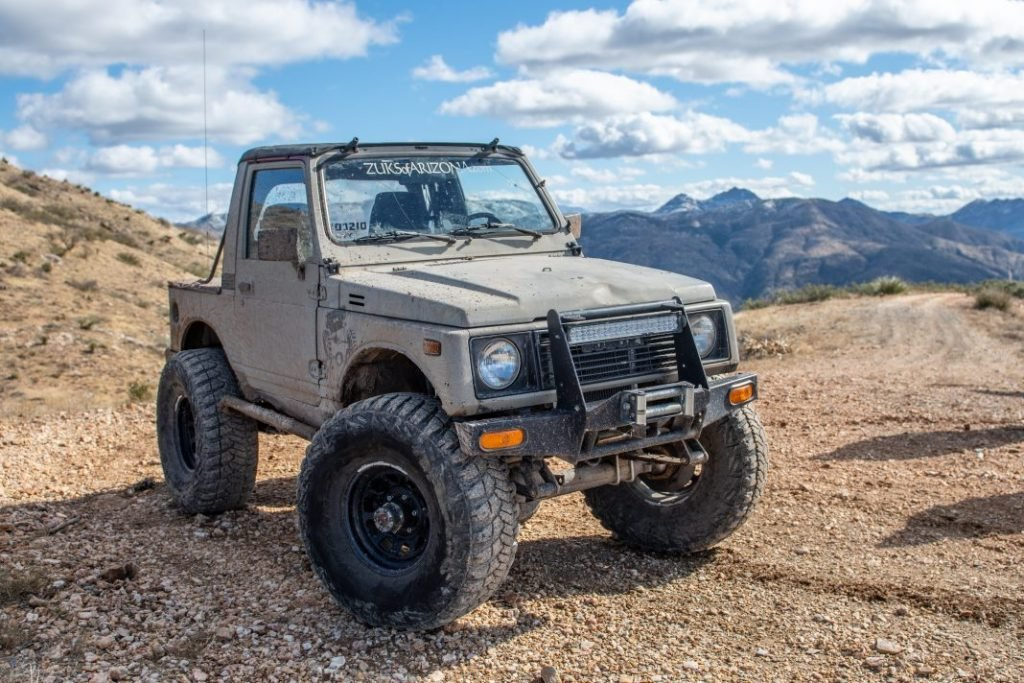 desert tan suzuki samurai pucker ridge trail 1068x712 1